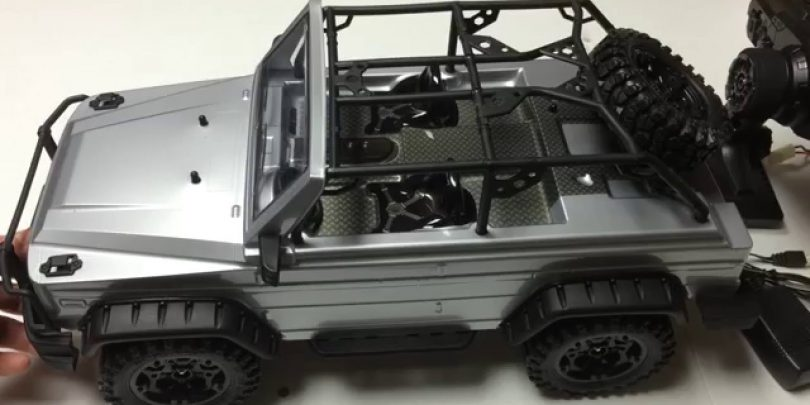 Unboxing: The HG P402 1/10 Scale RC Crawler [Video]