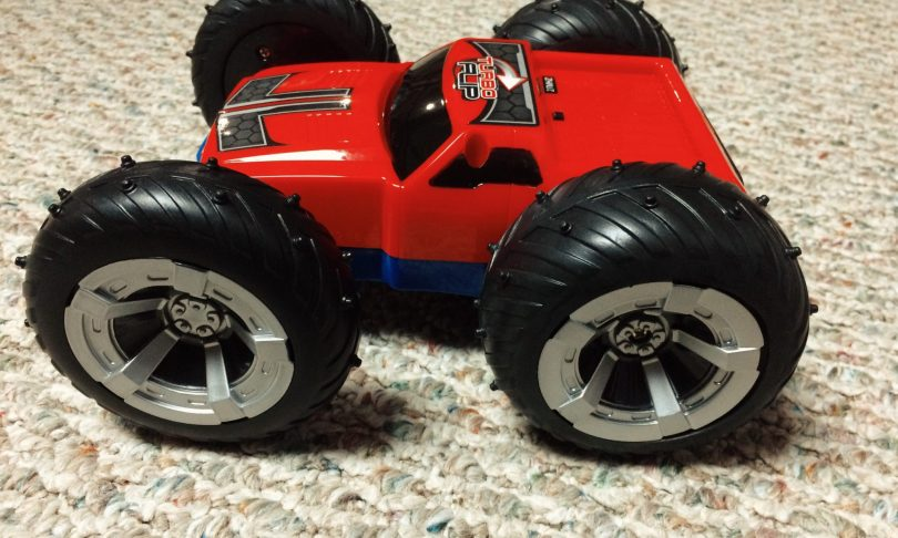 Unboxing: The Turbo Spin Stunt Racer R/C Car [Video]